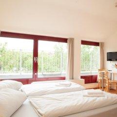 Отель a&o Düsseldorf Hauptbahnhof 2* Стандартный номер с различными типами кроватей фото 6