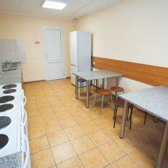 Гостиница Гостевой комплекс Нефтяник Кровать в общем номере с двухъярусной кроватью фото 17