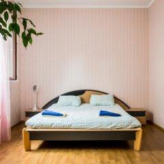 Хостел in Like Стандартный семейный номер с двуспальной кроватью (общая ванная комната) фото 4
