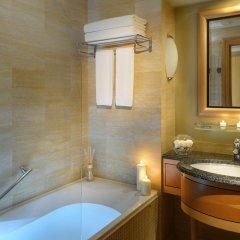 Movenpick Hotel Doha 4* Улучшенный номер с различными типами кроватей фото 3