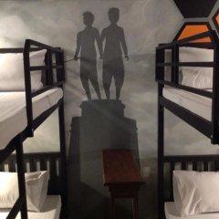 Beehive Phuket Oldtown Hostel Кровать в общем номере фото 4