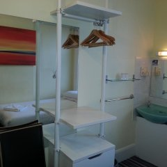 Manor Hotel 2* Стандартный номер с 2 отдельными кроватями (общая ванная комната)