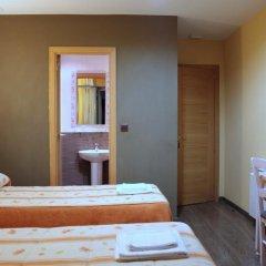 Отель Hostal Regio Номер категории Эконом с различными типами кроватей фото 15