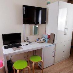 Отель Tomo Residence 2* Стандартный семейный номер с двуспальной кроватью