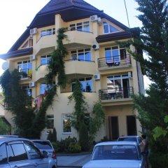 Гостевой дом Альмира парковка