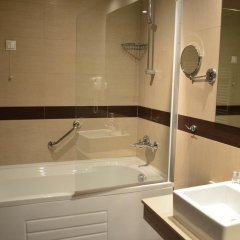 Отель Bon Bon Central ванная