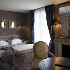 Отель Hôtel Chateaubriand Champs Elysées 4* Номер Делюкс фото 5