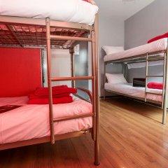 Отель Smart Place Paris Gare du Nord by Hiphophostels Кровать в общем номере с двухъярусной кроватью фото 2