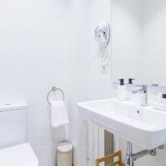Отель Pensión BUENPAS Испания, Сан-Себастьян - отзывы, цены и фото номеров - забронировать отель Pensión BUENPAS онлайн ванная