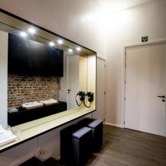 Отель Chambre Avec Jacuzzi Sauna Privatif Брюссель интерьер отеля фото 2