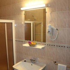 Отель Apartamentos São João ванная