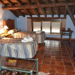 Отель El Escudo de Calatrava Люкс с различными типами кроватей фото 4
