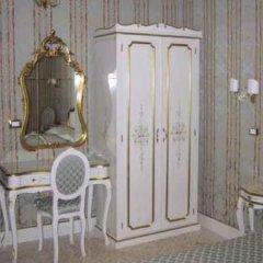Отель Residenza San Maurizio 3* Улучшенный номер с двуспальной кроватью фото 8
