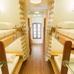 Barn And Bed Hostel Кровать в общем номере фото 15