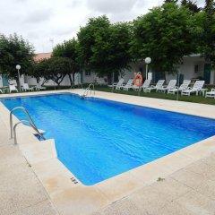 Отель Hostal Las Cumbres Испания, Кониль-де-ла-Фронтера - отзывы, цены и фото номеров - забронировать отель Hostal Las Cumbres онлайн бассейн фото 3