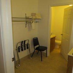 Отель Four Corners Inn 2* Люкс с различными типами кроватей