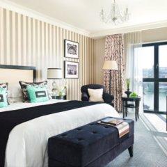 Four Seasons Hotel Prague 5* Улучшенный номер с различными типами кроватей фото 9