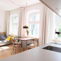 Апартаменты Sunny Boutique Studio Apartment комната для гостей фото 5