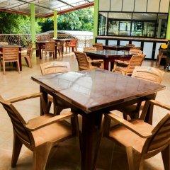 Отель Malwathu Oya Caravan Park питание фото 3