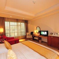 Отель Ramada Plaza Guangzhou 3* Номер Делюкс с различными типами кроватей