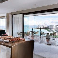 Отель Hilton Pattaya 5* Номер Делюкс с двуспальной кроватью фото 7