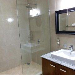 Отель Eagles Lodge Такоради ванная фото 2