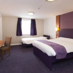 Отель Premier Inn London Waterloo комната для гостей фото 5