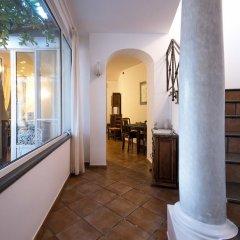 Отель Holiday In Amalfi Италия, Амальфи - отзывы, цены и фото номеров - забронировать отель Holiday In Amalfi онлайн интерьер отеля