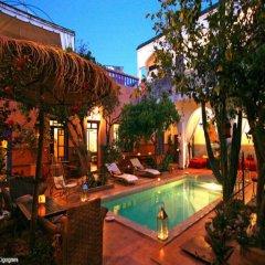 Отель Riad Les Cigognes Марокко, Марракеш - отзывы, цены и фото номеров - забронировать отель Riad Les Cigognes онлайн бассейн фото 3