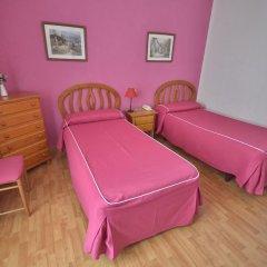 Отель Hostal Valencia Madrid Стандартный номер с различными типами кроватей фото 3