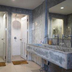Yoo Yen Pen Sook Hostel Кровать в общем номере с двухъярусной кроватью фото 4