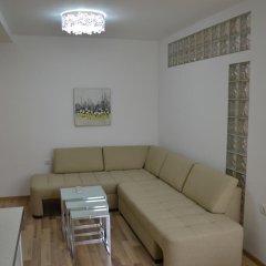 Апартаменты Peevi Apartments Солнечный берег комната для гостей фото 2