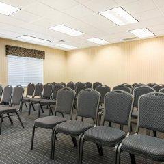 Отель Comfort Inn & Suites near Universal Orlando Resort