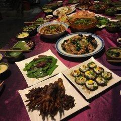 Beijing Yue Bin Ge Courtyard Hotel питание фото 3