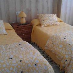 Отель Guest House PensiÓn Residencia MiÑones Камариньяс комната для гостей