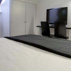 Отель Aparthotel Atenea Calabria Испания, Барселона - 12 отзывов об отеле, цены и фото номеров - забронировать отель Aparthotel Atenea Calabria онлайн удобства в номере фото 2