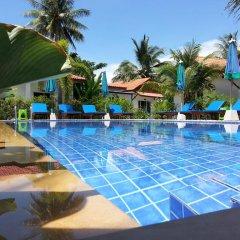 Отель Bangtao Varee Beach Пхукет бассейн фото 3
