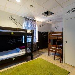 The Monk's Bunk Party Hostel интерьер отеля
