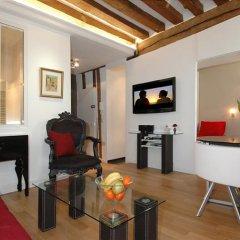 Отель HolidaysInParis-Bourg Tibourg II комната для гостей фото 3