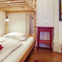 Lisbon Chillout Hostel Кровать в общем номере фото 7