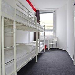 Check In Hostel Berlin Кровать в общем номере с двухъярусной кроватью