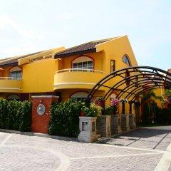 Отель The Victoria Resort Pattaya парковка