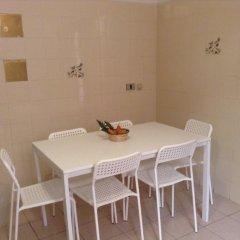 Апартаменты Apartment Faenza Sixty Eight питание