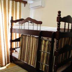 Хостел Центральный Кровать в мужском общем номере с двухъярусной кроватью