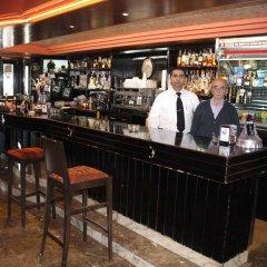 Отель Hostal Macami гостиничный бар
