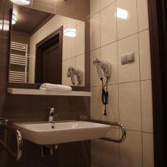 Отель Palazzo Rosso Польша, Познань - отзывы, цены и фото номеров - забронировать отель Palazzo Rosso онлайн ванная