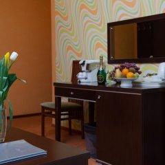 Adelfiya Hotel 2* Люкс с двуспальной кроватью фото 2