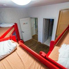 Отель Tallinn Backpackers Кровать в общем номере с двухъярусной кроватью фото 2