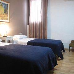 Отель Hostal LK Стандартный номер с двуспальной кроватью фото 3