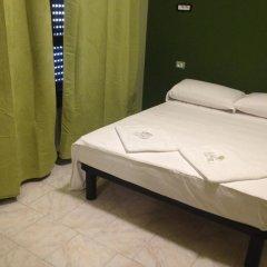 Milan Hotel 3* Стандартный номер с двуспальной кроватью (общая ванная комната) фото 2